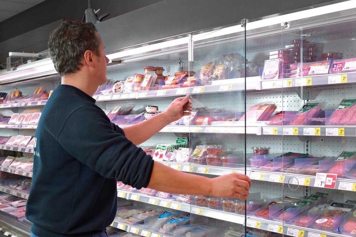 fieuw-plaatsen-van-koeling-vriezers-koeltogen-in-supermarkten